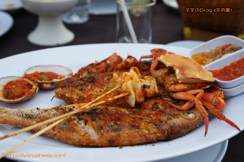"The ""cuisine"" Fresh Grilled Seafood Restaurant"